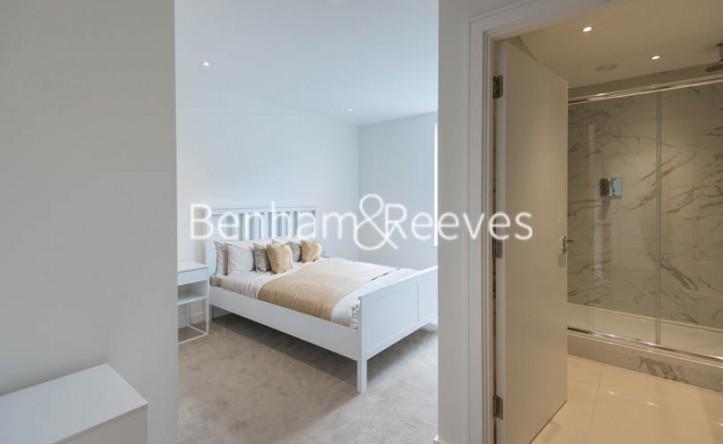 2 Bedroom flat to rent in Heritage Place, Kew Bridge, TW8