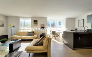 picture of 2 Bedroom(s) flat in  Heritage Place, Brentford, TW8