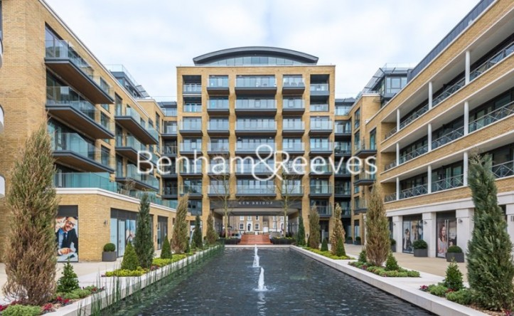 1 Bedroom flat to rent in Kew Bridge Road, Brentford,TW8