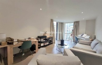 picture of 1 Bedroom(s) flat in  QueenshurstSquare, Kingston Upon Thames, KT2