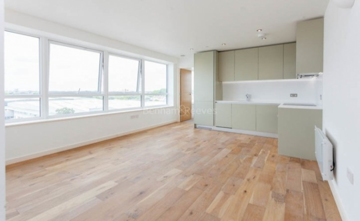 1 Bedroom flat to rent in Windmill Road, Sunbury-on-Thames, TW16
