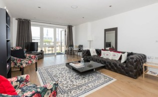 picture of 2 Bedroom(s) flat in  Kew Bridge Road, Kew Bridge, TW8