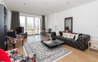 picture of 2 Bedroom(s) flat in  Kew Bridge Road, Kew Bridge, TW8