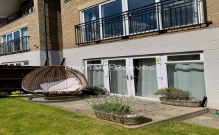 picture of 5 Bedroom(s) flat in  Marbaix Gardens, Isleworth, TW7