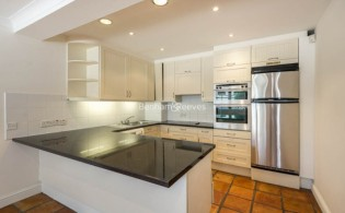 picture of 3 Bedroom(s) flat in  Canning Place Mews, Kensington, W8