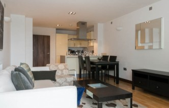 picture of 1 Bedroom(s) flat in  Bridges Court Road, Battersea, SW11
