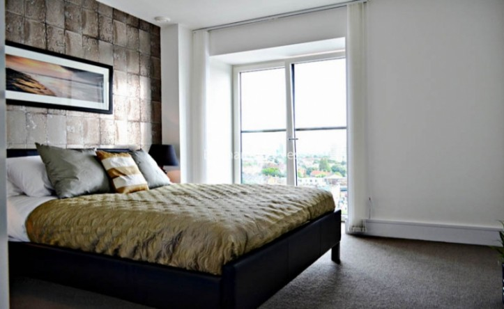 1 Bedroom flat to rent in The Library Building, St. Luke's Avenue, SW4