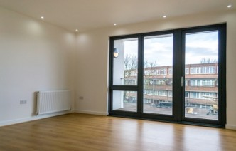 picture of 1 Bedroom(s) flat in  Wandsworth Road, Battersea, SW8