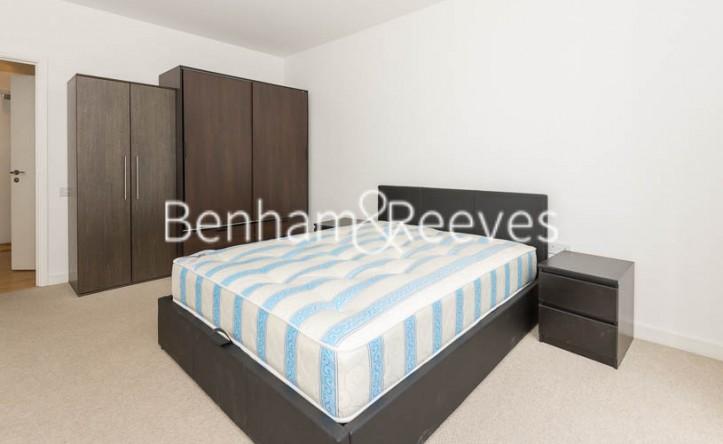 1 Bedroom flat to rent in Wandsworth Road, Battersea, SW8