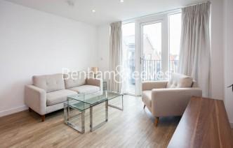 picture of 1 Bedroom(s) flat in  Tooting High Street, Nine Elms, SW17