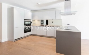 picture of 3 Bedroom(s) flat in  Cascade Court, Vista Chelsea Bridge, Battersea SW8