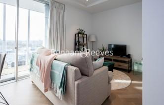 picture of Studio flat in  Wandsworth Road, Nine Elms, SW11