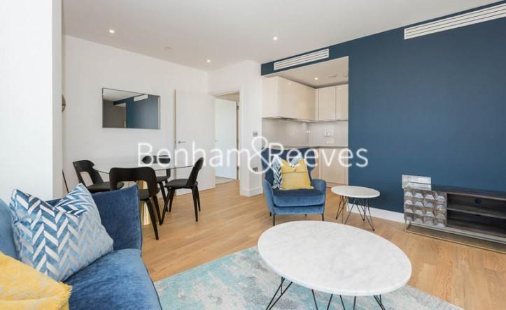 2 Bedroom flat to rent in Wandsworth Road, Nine Elms, SW8