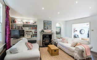 picture of 2 Bedroom(s) flat in  Elm Row, Hampstead, NW3