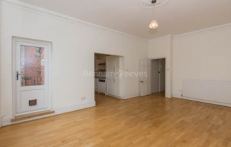 picture of 2 Bedroom(s) flat in  Nassington Road, Hampstead, NW3