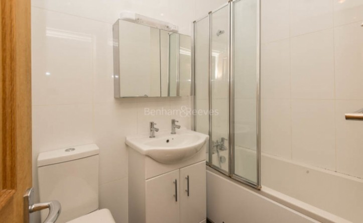 1 Bedroom flat to rent in Sutherland Ave, Maida Vale, W9