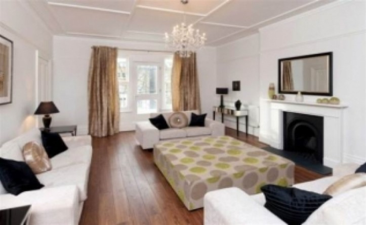 4 Bedroom flat to rent in Belsize Square, Hampstead, NW3