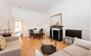 picture of 2 Bedroom(s) flat in  Lyndhurst Road, Hampstead,  NW3