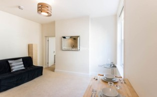 picture of 1 Bedroom(s) flat in  Frognal, Hampstead, NW3