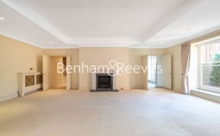 picture of 3 Bedroom(s) flat in  Frognal Rise, Hampstead, NW3