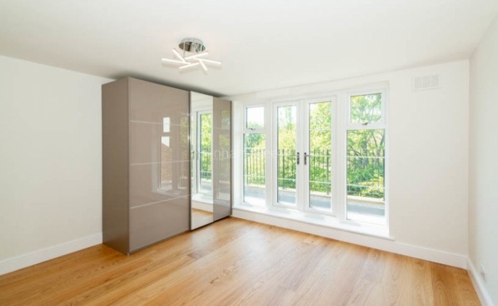 2 Bedroom flat to rent in Parkhill Road, Belsize Park, NW3