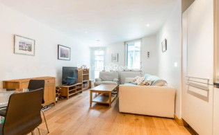 picture of 1 Bedroom(s) flat in  Pond Street, Hampstead, NW3