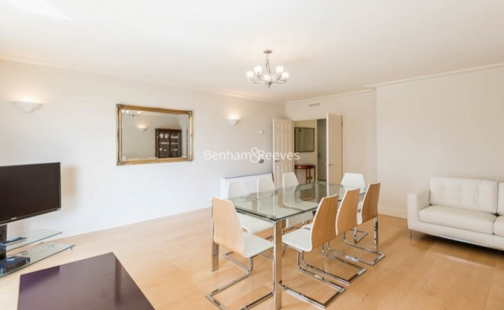 3 Bedroom flat to rent in Queens Terrace, St John's Wood, NW8