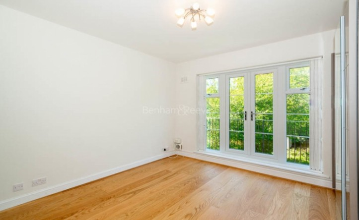 2 Bedroom flat to rent in Parkhill Road, Hampstead, NW3