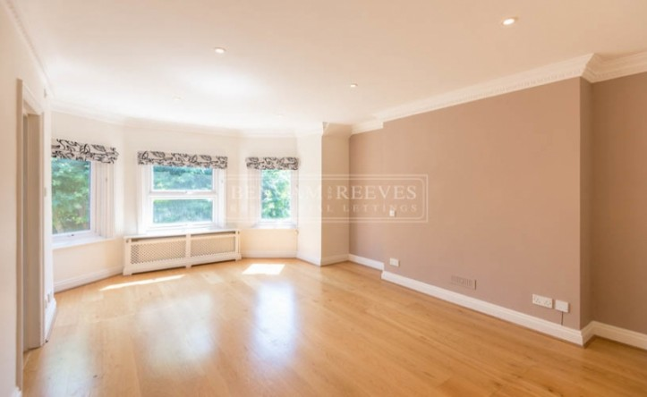 3 Bedroom flat to rent in Greencroft Gardens, South Hampstead, NW6