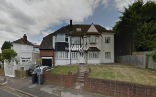 picture of 2 Bedroom(s) flat in  Wessex Way, Golders Green, NW11