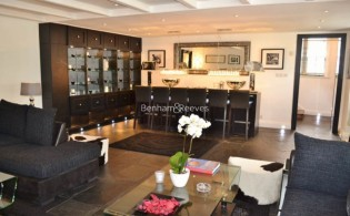 picture of 4 Bedroom(s) flat in  Lower Terrace, Hampstead,  NW3