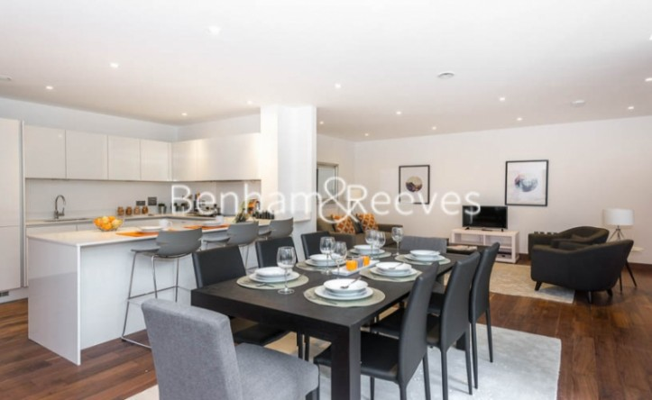 3 Bedroom flat to rent in Maygrove Road, West Hampstead, NW6