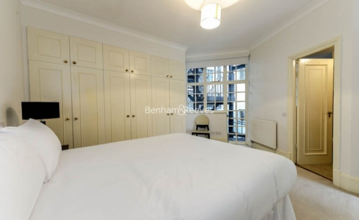 2 Bedroom flat to rent in Park Road, St John's Wood, NW8