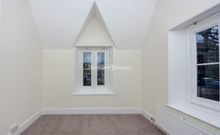 2 Bedroom house to rent in Christchurch Hill, Hampstead Village, NW3
