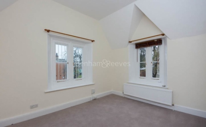 2 Bedroom flat to rent in Christchurch Passage, Hampstead, NW3