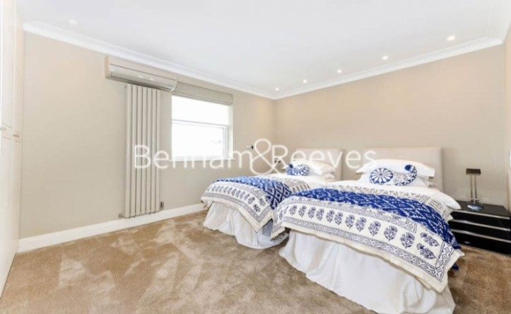 3 Bedroom house to rent in Boydell Court, St John