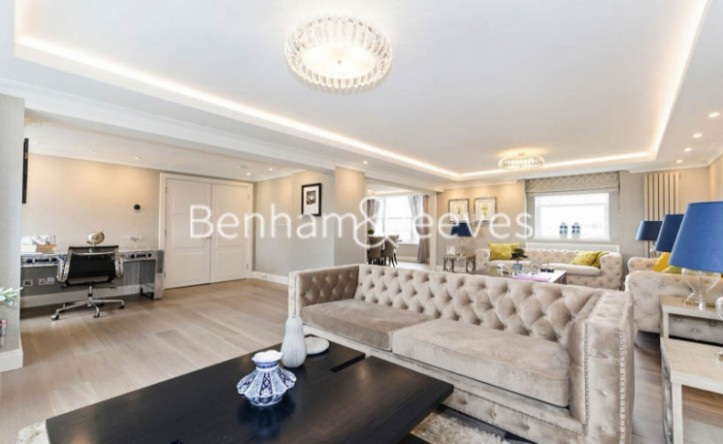 5 Bedroom flat to rent in Boydell Court, Hampstead, NW8