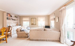 picture of 2 Bedroom(s) flat in  Heath Place, Hampstead, NW3