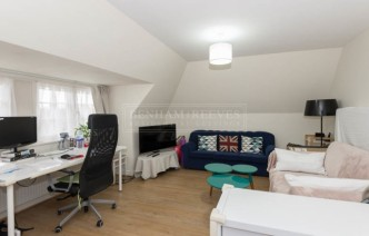 picture of 1 Bedroom(s) flat in  Heath View Court, Golder Green, NW11