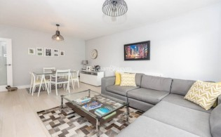 picture of 2 Bedroom(s) flat in  Priory Road, Hampstead, NW6