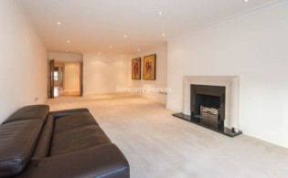 picture of 3 Bedroom(s) flat in  Mountview Close, Hampstead, NW11