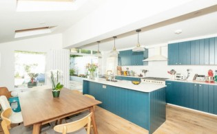picture of 3 Bedroom(s) flat in  Glengall Road, Queens Park, NW6
