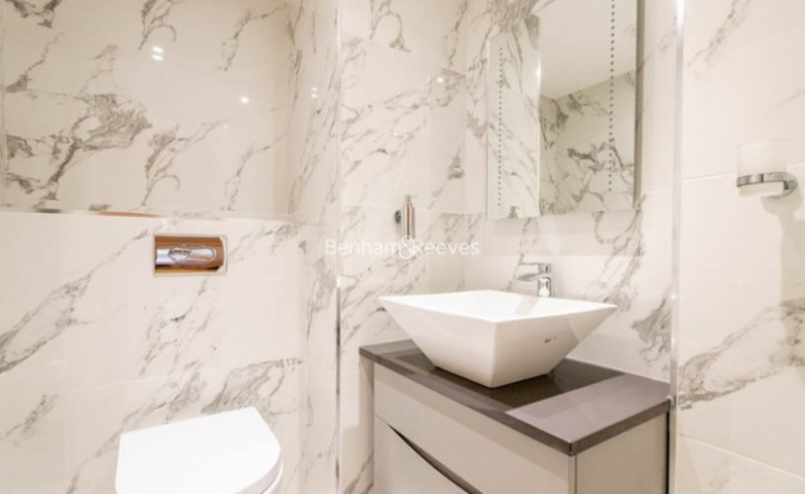 2 Bedroom flat to rent in The Terraces, St Johns Wood, NW8