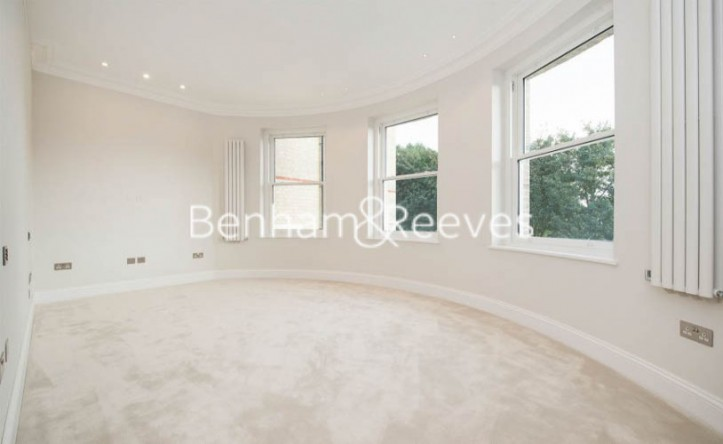 3 Bedroom flat to rent in Arkwright Rd, Hampstead, NW3