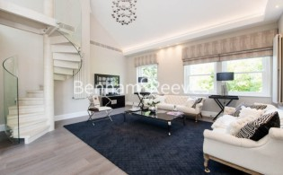 picture of 4 Bedroom(s) flat in  Arkwright Road, Hamsptead, NW3
