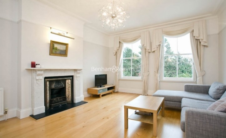 3 Bedroom flat to rent in Downside Crescent, Hampstead, NW3