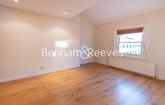 picture of 2 Bedroom(s) flat in  Gayton Crescent, Hampstead, NW3
