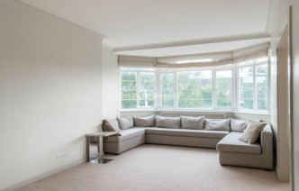 picture of 2 Bedroom(s) flat in  Belsize Avenue, Belsize Park, NW3