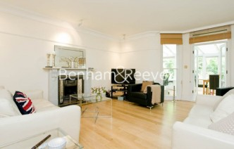 picture of 3 Bedroom(s) flat in  King Henrys Road, Hampstead, NW3