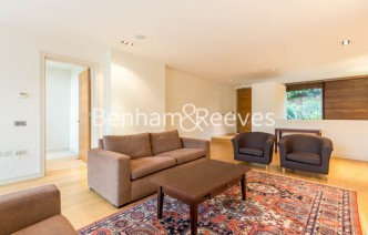 picture of 4 Bedroom(s) flat in  Oakhill Park Mews, Hampstead, NW3